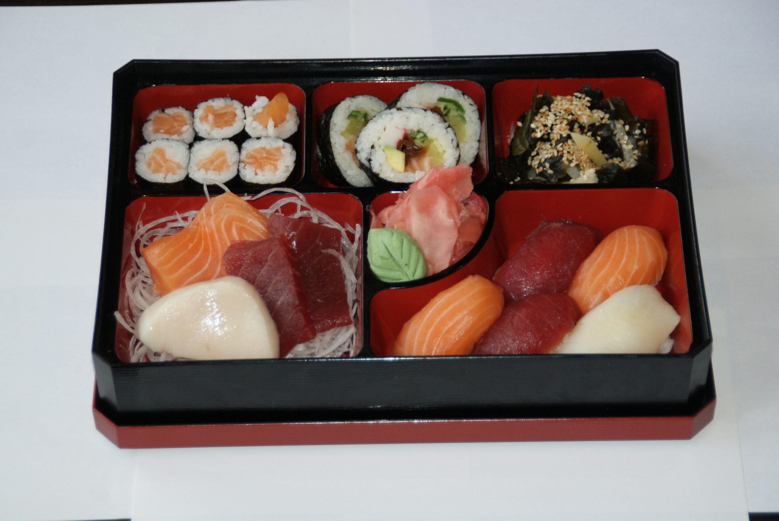 lunch sushi-sashimi (lunch od pon-pi do godz 15)